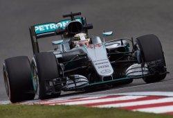 Hamilton manda un aviso en los segundos libres de Sochi