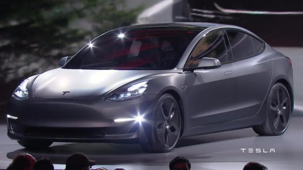 Tesla presenta el Model 3, su coche más asequible hasta la fecha