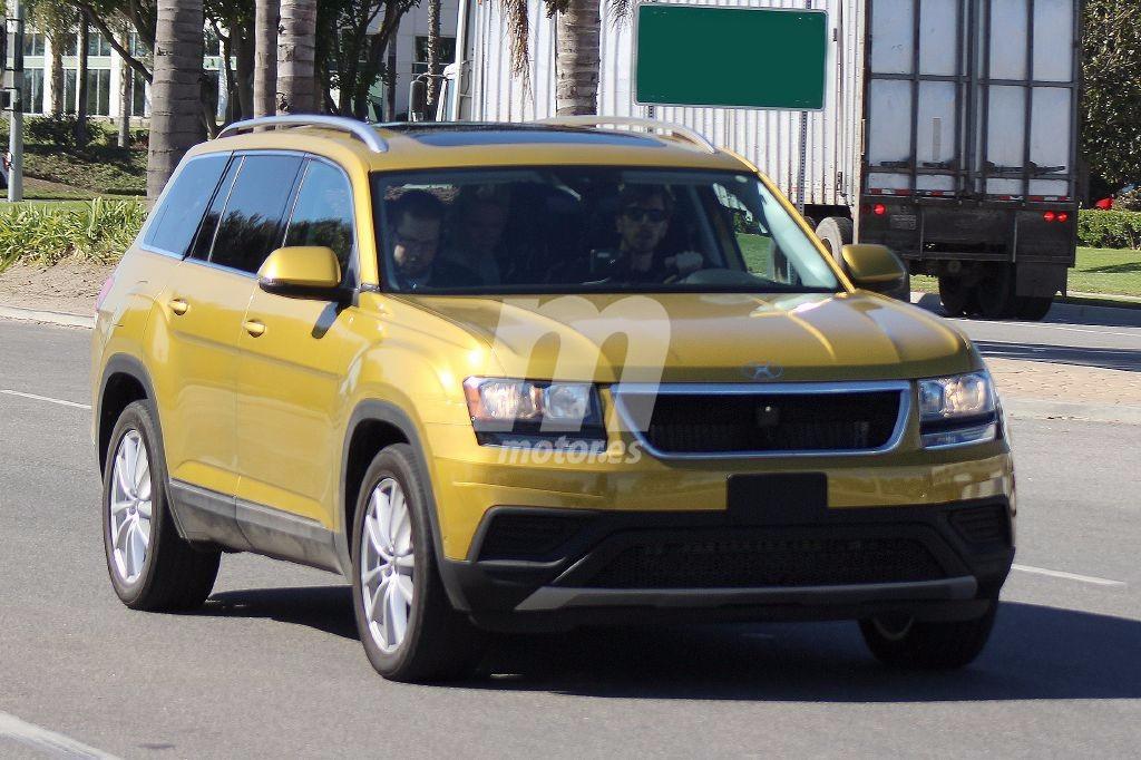 Cazado el Volkswagen CrossBlue, el nuevo SUV de tres filas de asientos