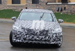 Avistada la primera mula de pruebas del nuevo Lexus LS