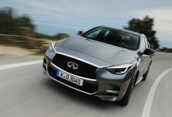 Francia - Abril 2016: El Infiniti Q30 lleva a la marca japonesa a nuevos niveles