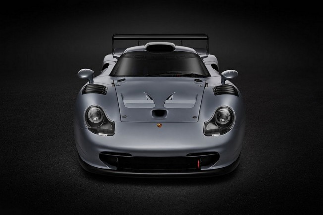 subastado el nico porsche 911 gt1 evolution de carreras. Black Bedroom Furniture Sets. Home Design Ideas