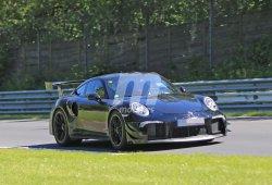El esperado Porsche 911 GT2 RS posa para nuestra cámara