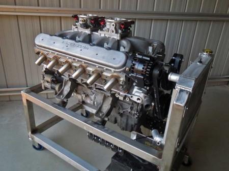 Un taller junta dos bloques V8 LS y monta un salvaje V12 de 8.5 litros y 727 CV