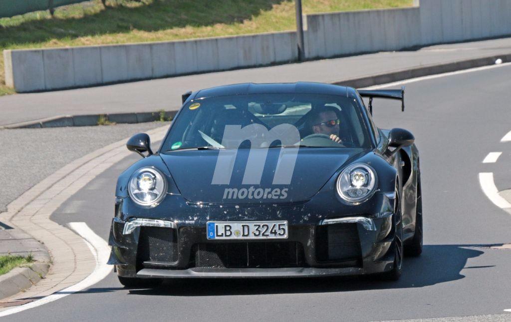 Porsche 911 GT2 RS, la versión más loca del 911 ya monta su carrocería definitiva