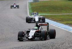 Force India se acerca a Williams en la lucha por la cuarta plaza