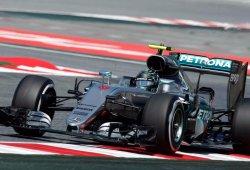 Rosberg no da tregua en casa