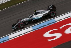 Rosberg y Hamilton mandan, pero Ricciardo avisa