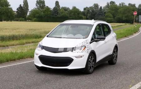 El Opel Ampera-e se prepara para electrificar la gama de Opel