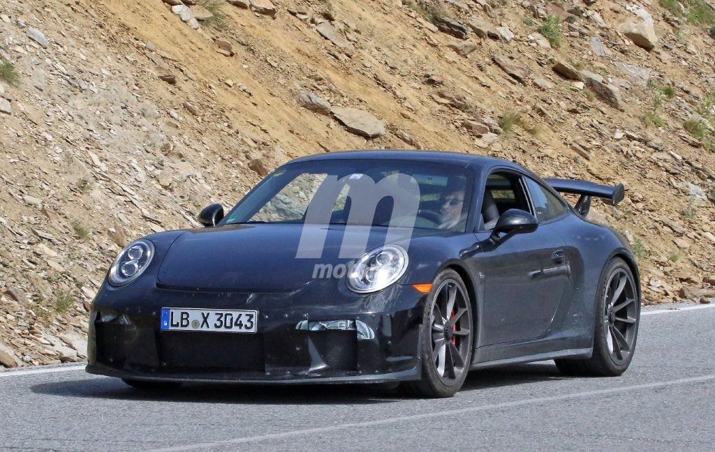 El nuevo Porsche 911 GT3 2017 tendrá cambio manual, mira estas fotos espía