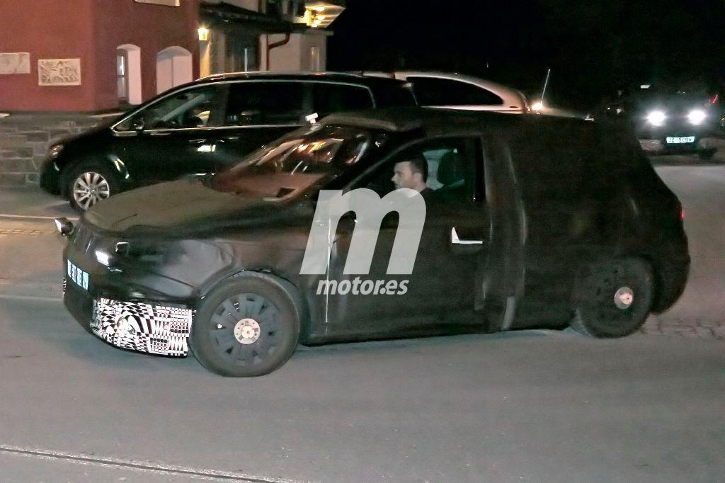 Bajo este camuflaje se esconde el B-SUV de SEAT, el hermano pequeño del Ateca