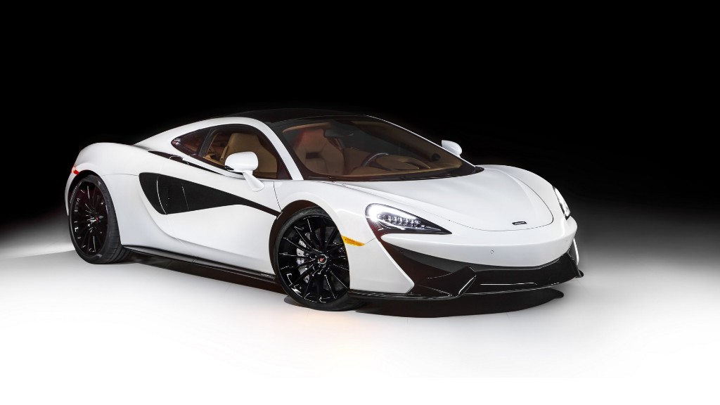 McLaren 570GT by MSO, blanco y negro en Pebble Beach 2016