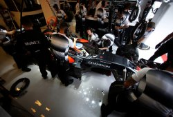Alonso y Hamilton, sancionados por cambio de motor