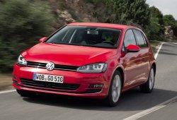 Suecia - Julio 2016: El Volkswagen Golf lidera y el Seat Ateca se estrena