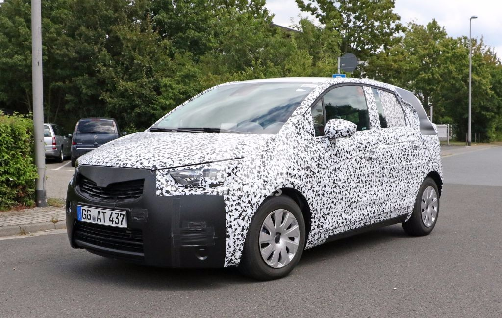 ¿Esperando el Opel Meriva 2017? Descubre más detalles con estas fotos espía