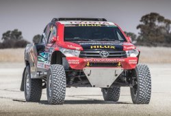 Primeros test de cara al Dakar del Toyota Hilux V8 Evo
