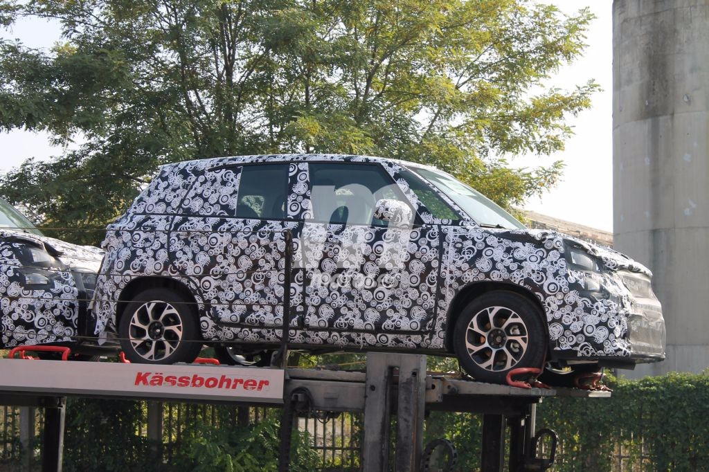 Fiat 500L 2018: primeras fotos espía de la renovación del monovolumen urbano