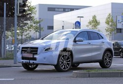 El Mercedes GLA 2018 estrenará nuevos faros LED