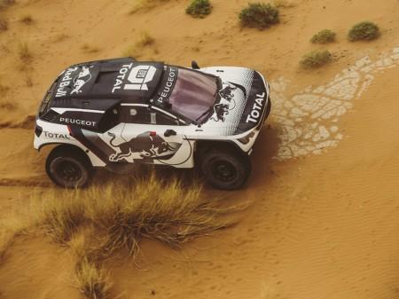¿Veremos un quinto Peugeot 3008 DKR en el Dakar 2017?