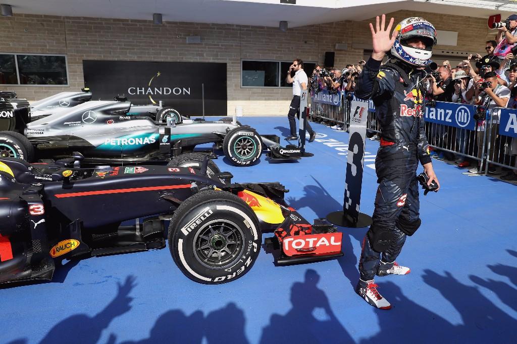 El abandono de Verstappen fastidia a Ricciardo