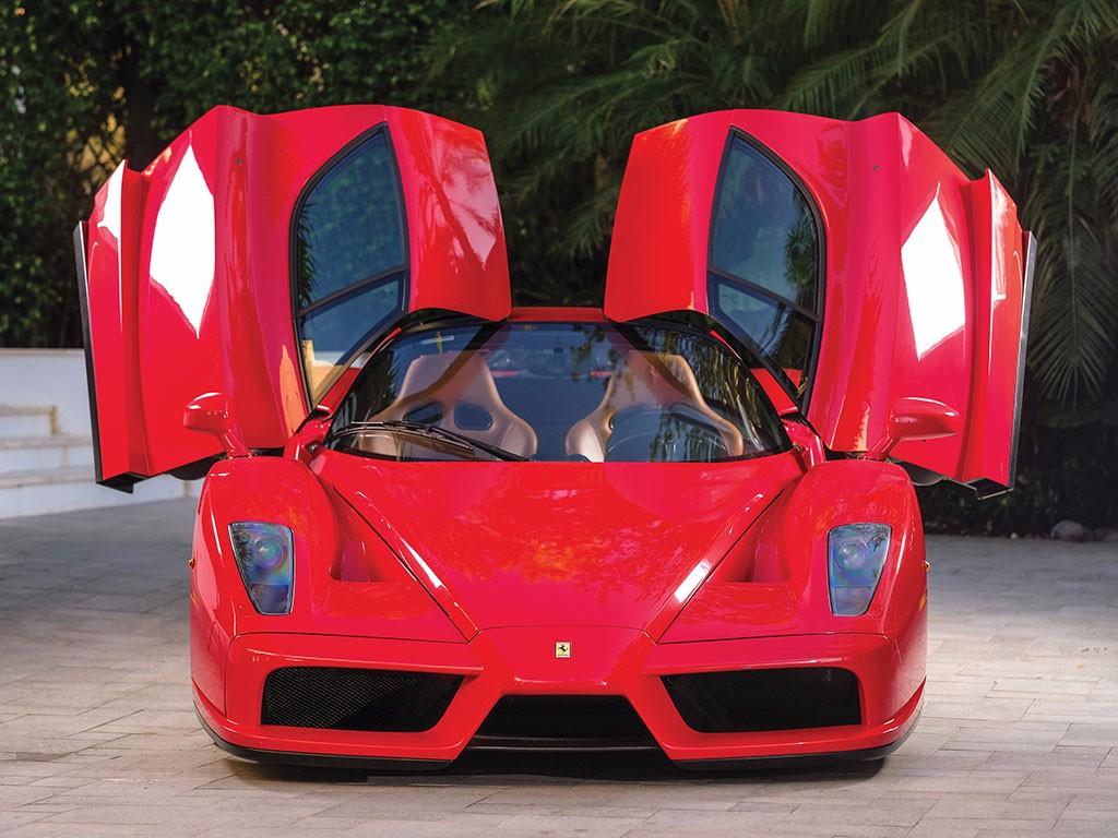 Sale a subasta el Ferrari Enzo de Tommy Hilfiger con menos de 6.000 Km