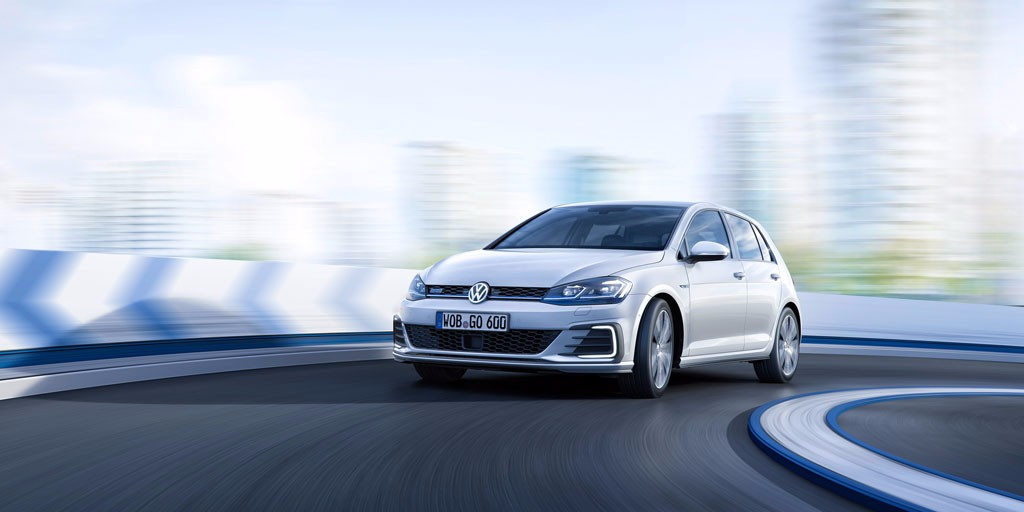 Volkswagen Golf GTE 2017: el plug-in hybrid se actualiza