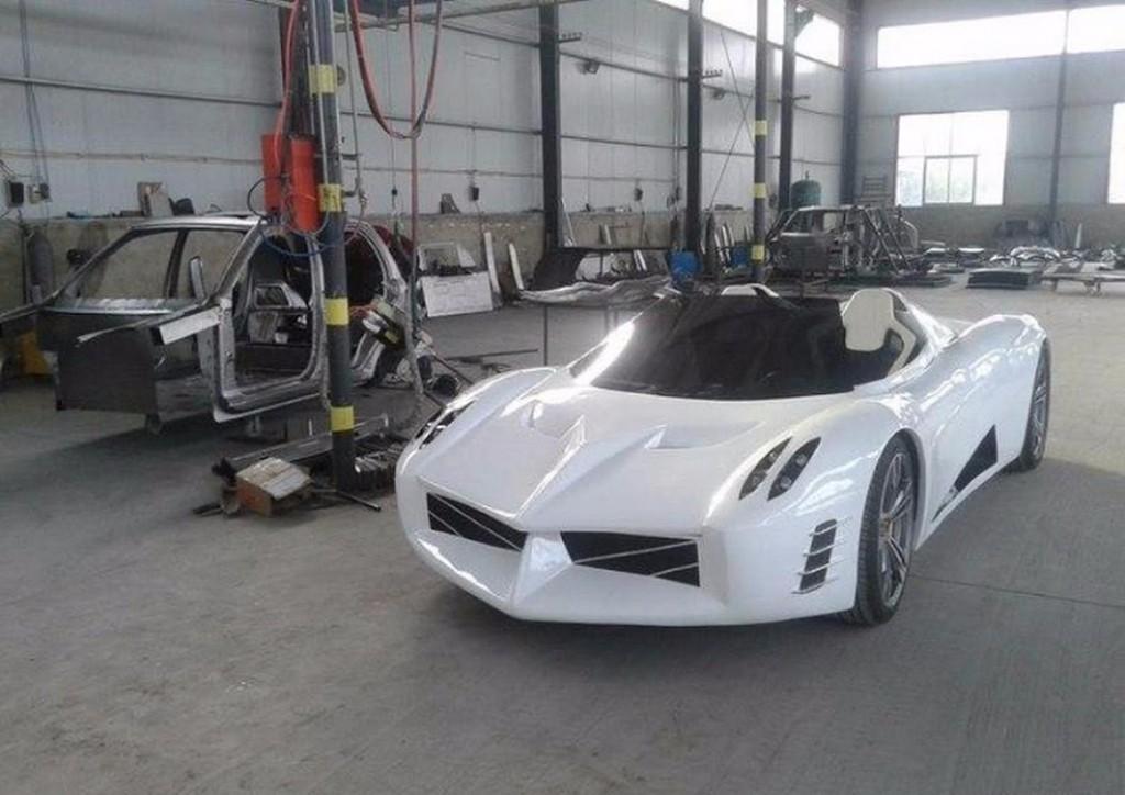 Esta copia china del Pagani Huayra es un coche eléctrico… ¡Y está en producción!