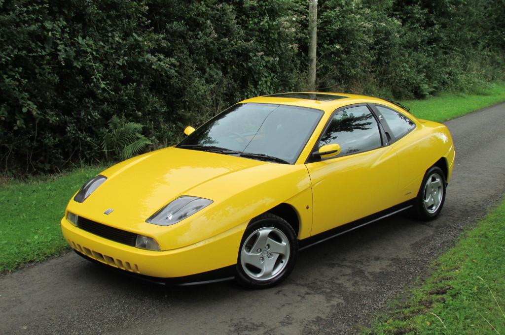 Aparece un Fiat Coupé de los noventa a estrenar en Irlanda