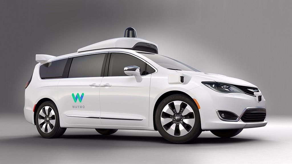 Google Waymo: un prototipo de coche autónomo basado en el Chrysler Pacifica