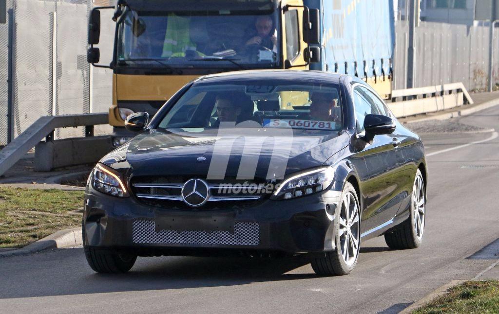 Mercedes Clase C Coupe: Misteriosa mula de pruebas avistada