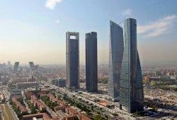 Los vehículos de etiqueta ECO tendrán 50 por ciento de descuento al aparcar en Madrid