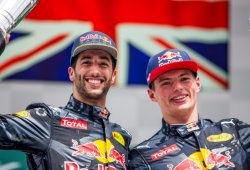 """Ricciardo, """"campeón de campesinos"""", considera buena para él la atención hacia Verstappen"""