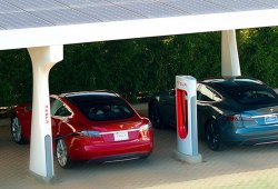 Tesla implementará una tarifa para evitar el «acaparamiento» de los supercharger