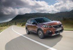 Francia - Noviembre 2016: El Peugeot 3008 sube como la espuma