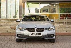 Reino Unido - Noviembre 2016: BMW acelera hasta el podio