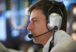 Wolff da por cerrado el roce con Hamilton en Abu Dhabi