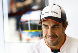 Zak Brown niega que Alonso pueda marcharse a Mercedes