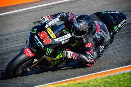 Los pilotos de MotoGP tendrán más neumáticos en 2017