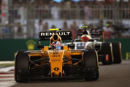 """Renault no está """"triste"""" por despedir un difícil 2016"""