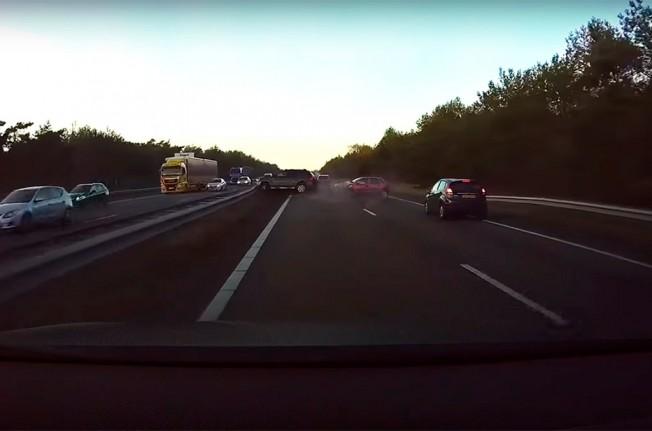 El Autopilot de Tesla predice accidentes