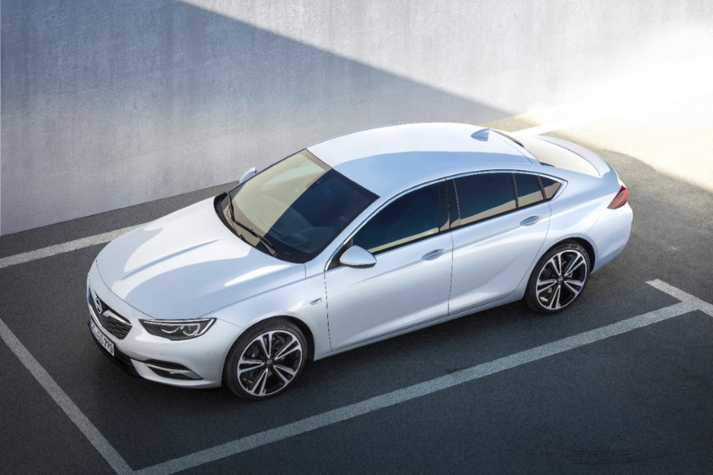 Opel Insignia Grand Sport 2017: Todas sus novedades técnicas y de equipamiento