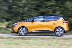 Francia - Diciembre 2016: El Renault Scénic acecha el Top 5