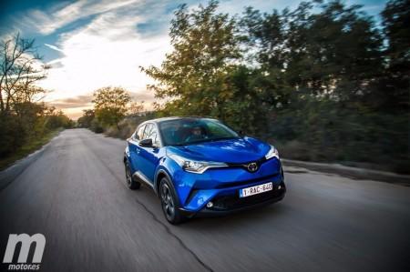 El aparcamiento asistido del Toyota C-HR en vídeo