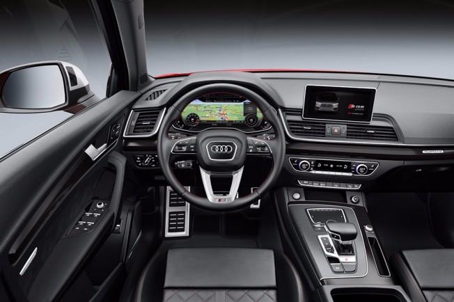 Audi SQ5 2017 - interior