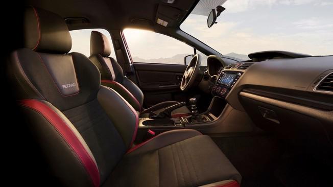 Subaru WRX 2018 - interior
