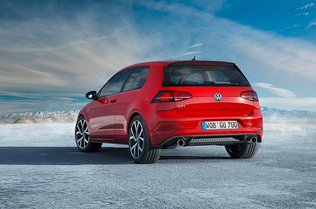 Volkswagen Golf GTI 2017 - posterior