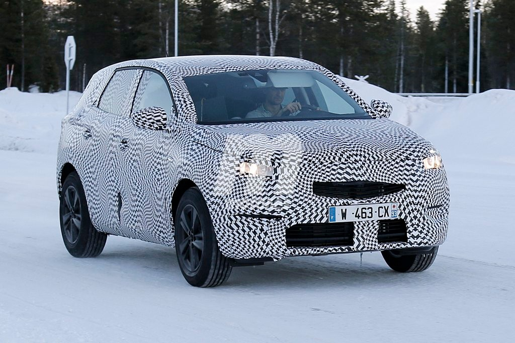 Opel Grandland X 2018: fotos espía del nuevo C-SUV que está en camino