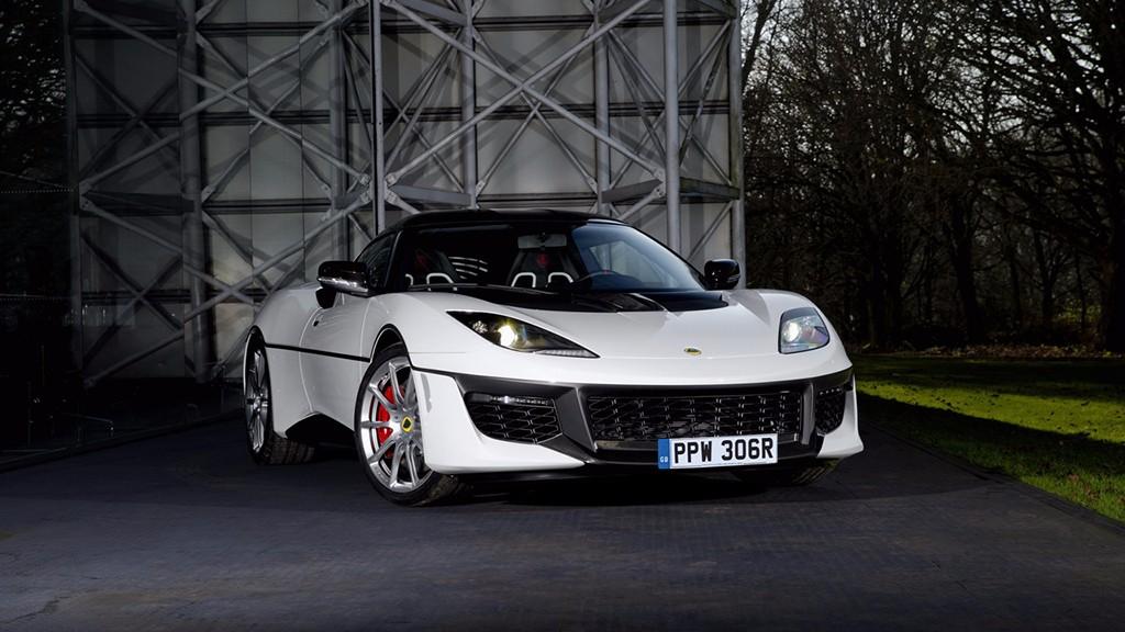Un Lotus Evora Sport 410 a modo de homenaje del mítico Esprit S1 de James Bond