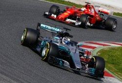 Bottas y Hamilton muestran la fiabilidad del Mercedes W08 en su debut