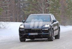 Porsche Cayenne 2018: En la nieve con menos camuflaje